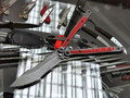 Балисонг Mr.Blade Madcap сталь 8Cr14 blackwash, рукоять G10 red