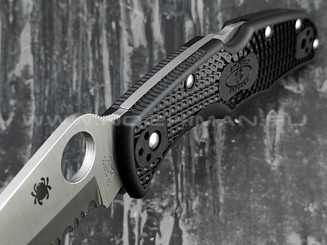 Нож Spyderco Endura 4 Serrated 10SBK, сталь VG-10, рукоять FRN